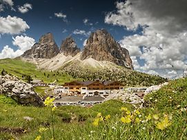 Passo Sella Dolomiti Mountain Resort photos Exterior