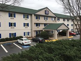 Intown Suites Extended Stay Atlanta- Duluth photos Exterior