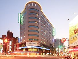Cambridge Tainan Hotel photos Exterior