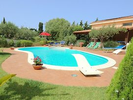 Charming Holiday Home In Buseto Palizzolo With Pool photos Exterior