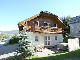Holiday Home Chalet An Der Piste 2 photos Exterior