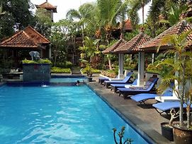 Dewa Bharata Bungalows Ubud photos Exterior
