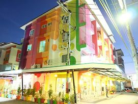 The Colorful Hotel photos Exterior