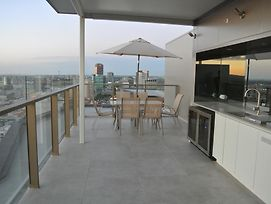 Vue Penthouse On King William photos Exterior