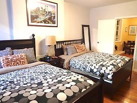 Large 1 Bedroom Chinatown photos Exterior