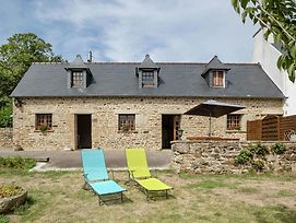 Spacious Holiday Home With Fenced Garden In Pont-Croix photos Exterior