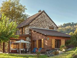 Detached Holiday Home With Pool In Connac France photos Exterior