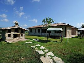 Lovely Farmhouse In Umbria With Swimming Pool photos Exterior