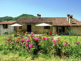 Lovely Holiday Home In Modigliana Near Lake photos Exterior