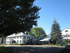 Publick House Historic Inn And Country Motor Lodge photos Exterior