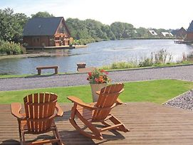 Anglesey Lakeside Lodges photos Exterior