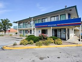 Motel 6 Indianapolis East photos Exterior