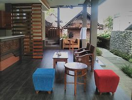 Indraprastha Ubud Home Stay photos Exterior