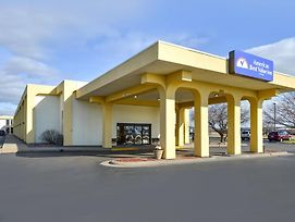 Americas Best Value Inn Moline photos Exterior