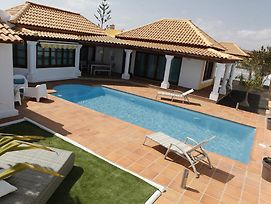 Villa Relax With Heated Pool, Bbq & Free Wifi By Holidays Home photos Exterior