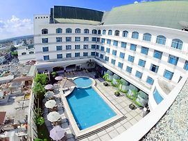 Grand Jatra Hotel Pekanbaru photos Exterior