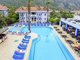 Akdeniz Beach Hotel photos Exterior