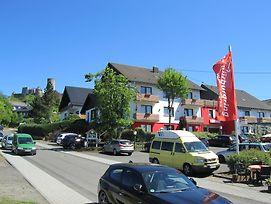 Land-Gut-Race-Hotel Zur Burg Nurburgring photos Exterior