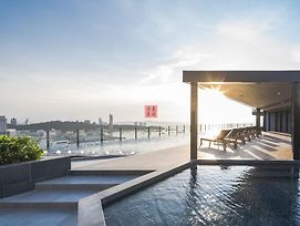 The Base Central Pattaya By Ul photos Exterior
