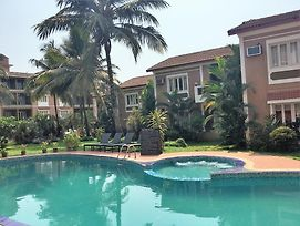 Goa Rentals 1 Bhk Deluxe Apartment In Candolim photos Exterior