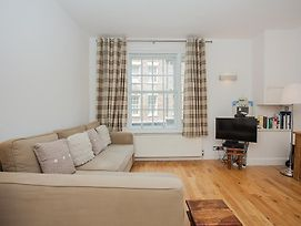 Modern Spacious Central 1 Bed In Perfect Location photos Exterior