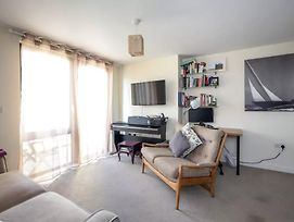 Lovely 2 Bed Flat In North London photos Exterior