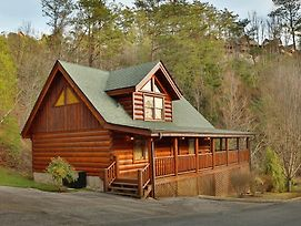 Mountain Fun One Bedroom Cabin photos Exterior