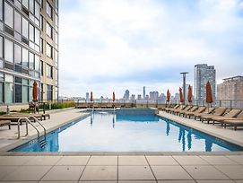 Newport Furnished Luxury Apartments photos Exterior