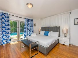 L'Etoile One-Bedroom Apartments By Royal Stays photos Exterior