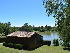 Camping - Village Vacances Du Lac photos Exterior