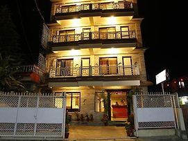 Hotel Family Home Pokhara photos Exterior