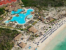 Grand Palladium White Sand Resort & Spa - All Inclusive photos Exterior
