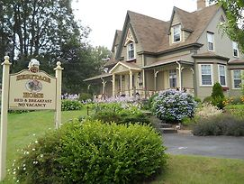Heritage Home Bed & Breakfast photos Exterior