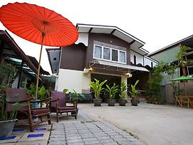 Aree Guest House photos Exterior