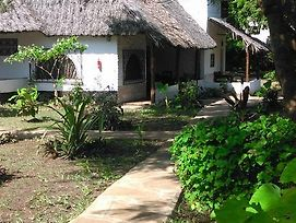 Diani Banda Cottages photos Exterior