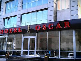 Oscar photos Exterior