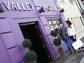 The Valley Hotel photos Exterior
