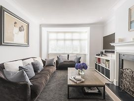 Fashionable Family Home In Southfields photos Exterior