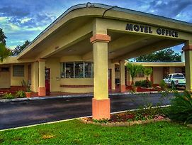 Nassau Holiday Motel photos Exterior