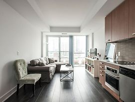 Beautiful King West Apartment photos Exterior