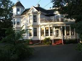 Evangeline'S Tower Bed & Breakfast photos Exterior