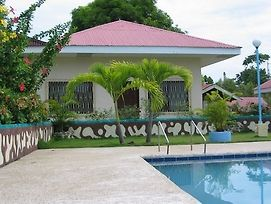 Looc Garden Beach Resort photos Exterior