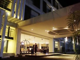 Swiss Belinn Cibitung photos Exterior