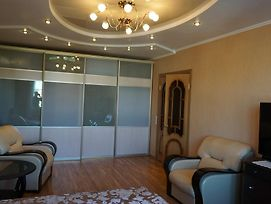 Apartment On 50 Let Oktyabrya photos Room