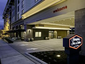 Hampton Inn & Suites By Hilton Seattle/Northgate photos Exterior