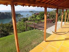 Villa El Oasis Guatape Lake photos Room