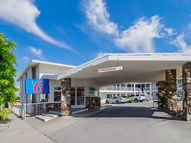 Motel 6 San Bernardino, Ca - Downtown photos Exterior