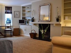 Stylish 2 Bedroom Apartment In London photos Exterior