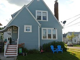 Cozy Cape Cod Vacation House In Two Rivers photos Exterior