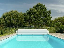 Spacious Villa In Concarneau With Swimming Pool photos Exterior